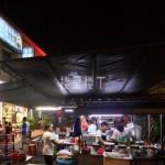 吉隆坡华人餐馆档口总少不了那一味火辣的马来西亚清蒸鱼头
