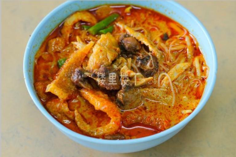 在咖喱知名的国度品尝一碗传统而浓郁的马来西亚咖喱面