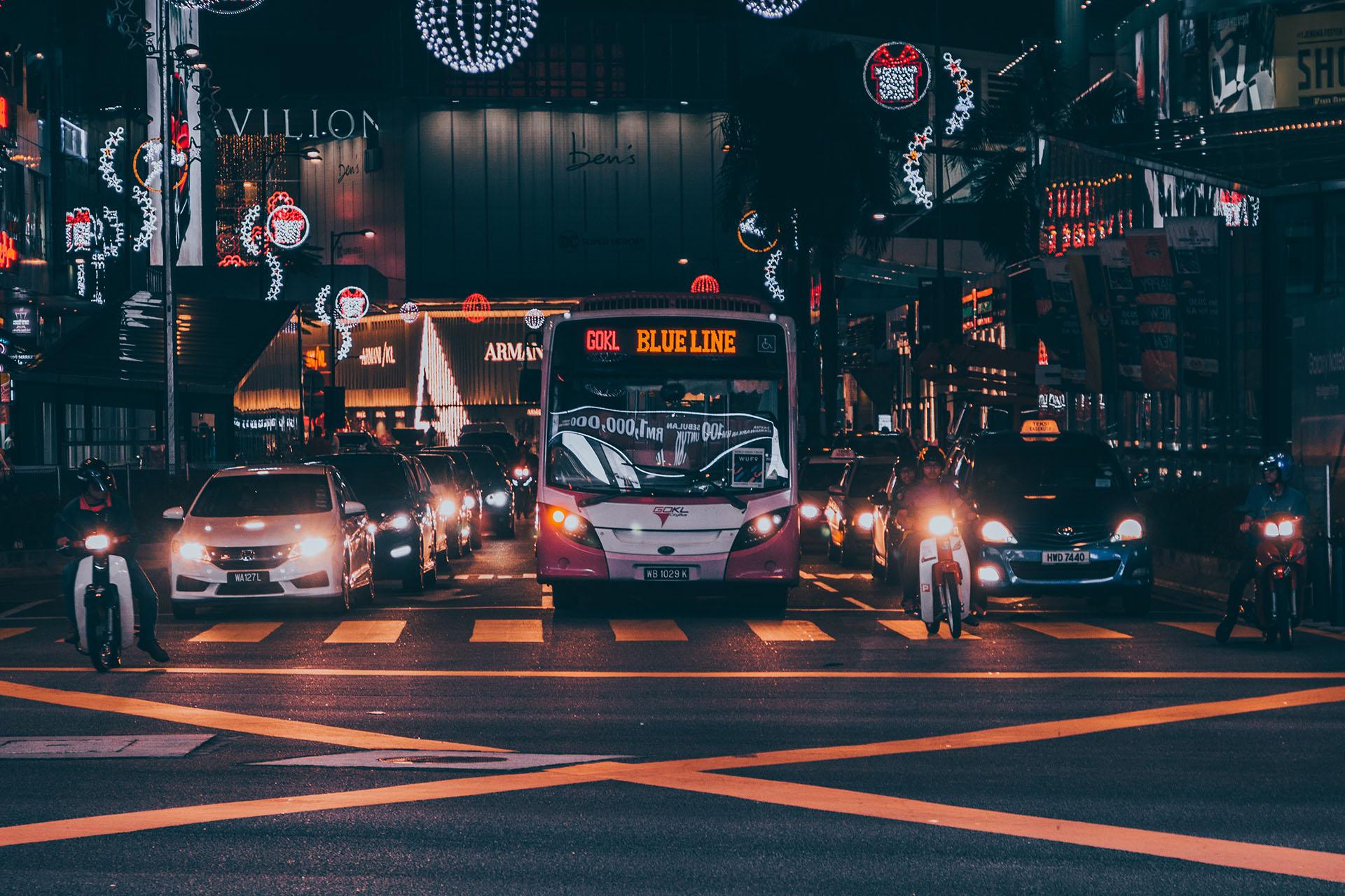这是马来西亚城市喧闹深处的那一抹夜色